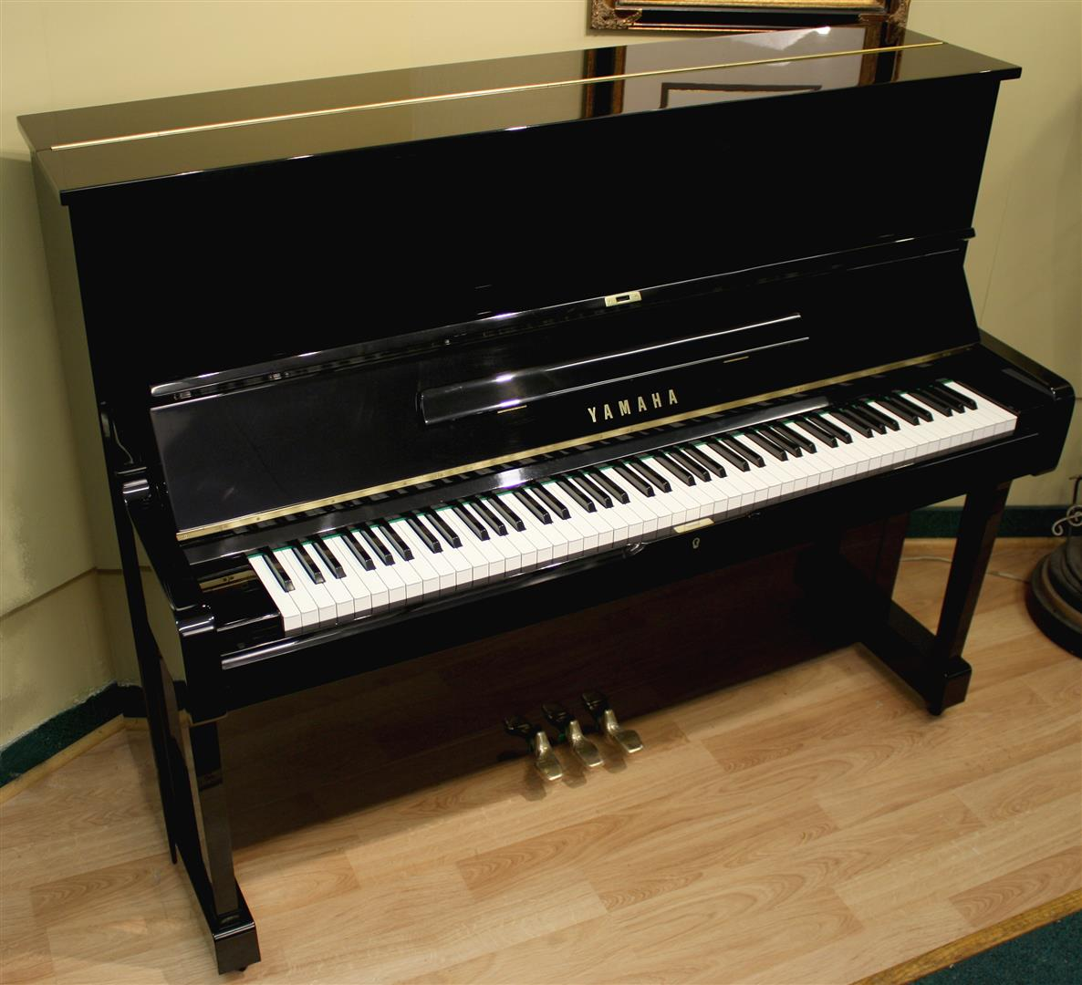 Four star reconditoned yamaha yamaha u1 upright piano 48 for Yamaha pianos nj