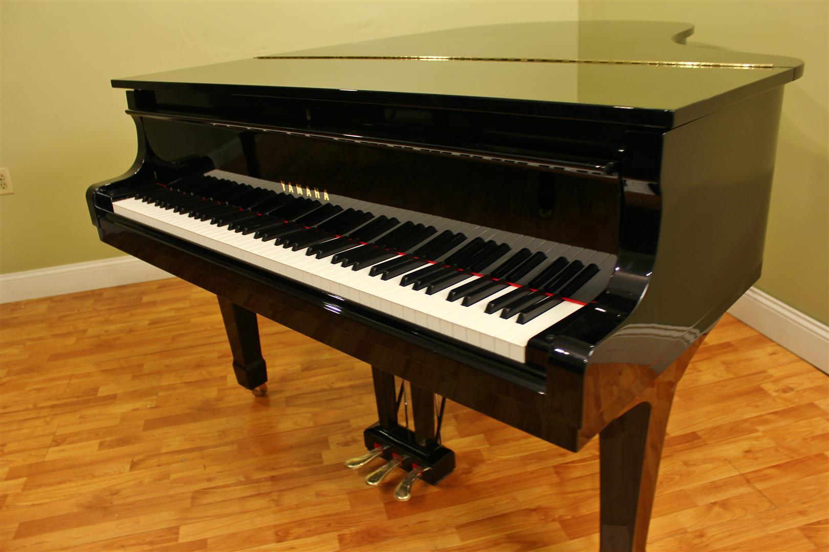 Yamaha baby grand player piano for sale
