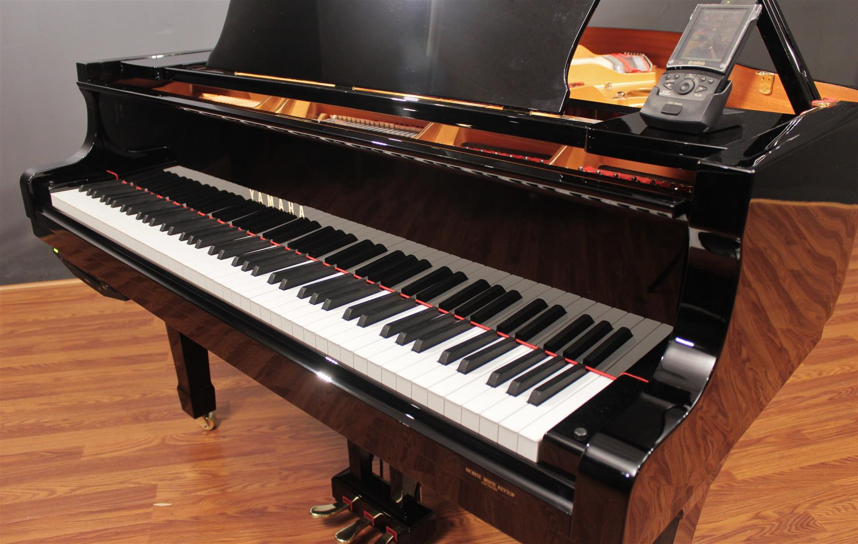 Yamaha disklavier c3 mark iv 6 39 1 39 39 grand piano 2008 dc3m4 for Yamaha pianos dc