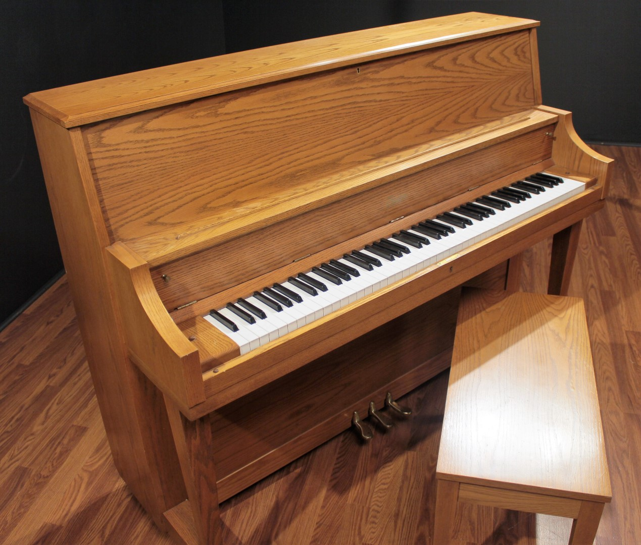 steinway boston up 118s 46 39 39 upright piano honey oak