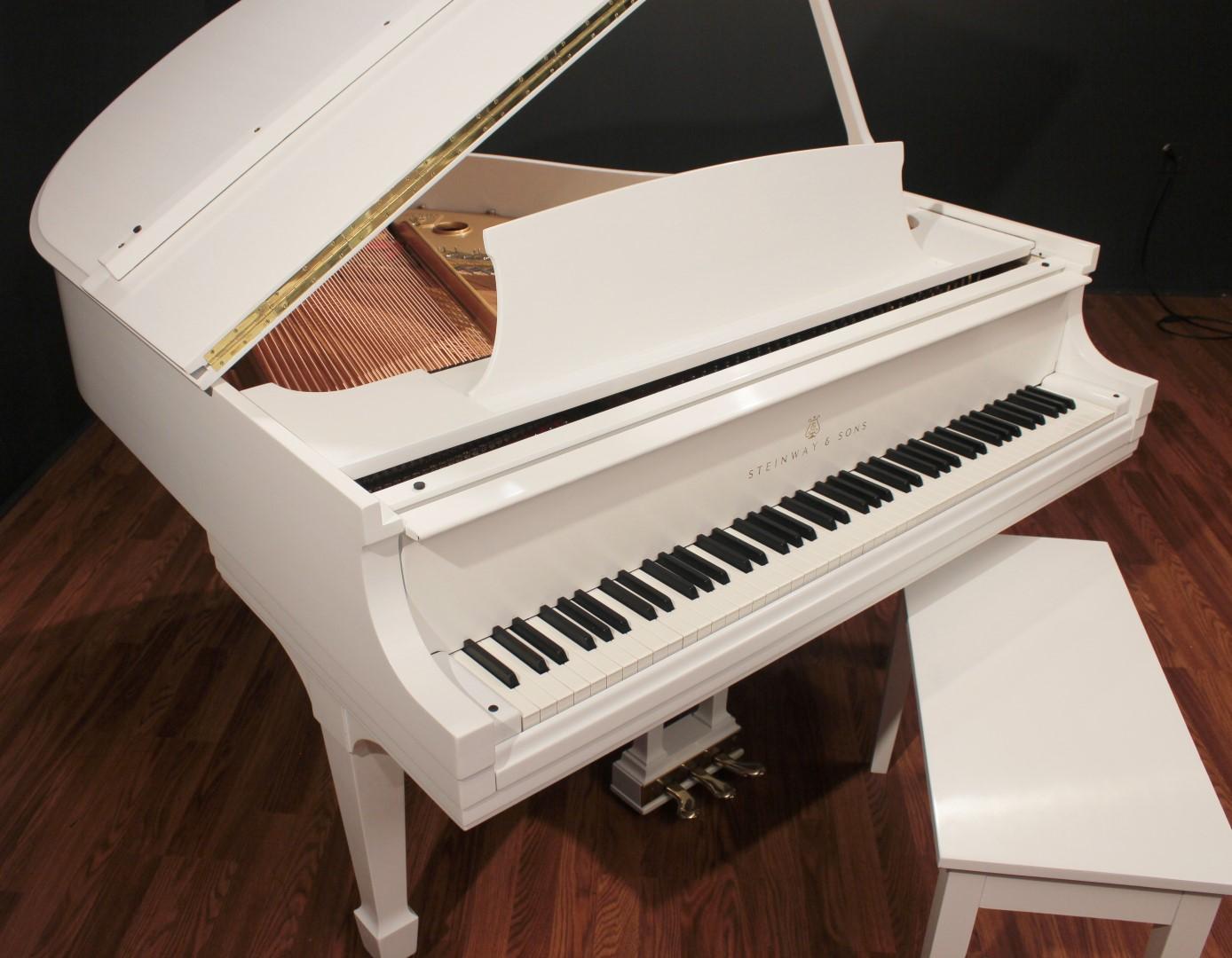 Steinway Model S 5'1'' Baby Grand Piano White (Restored ...