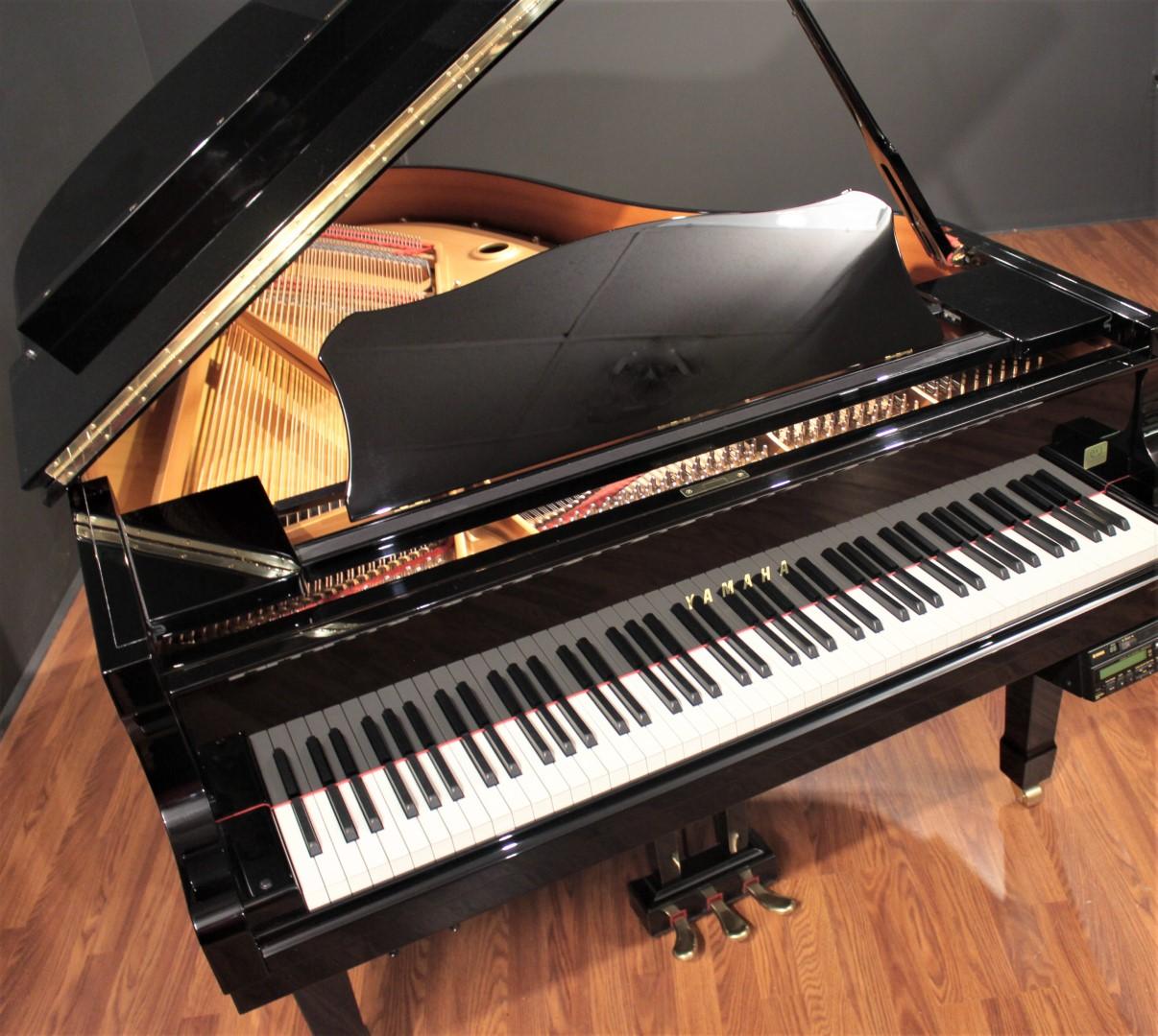 Yamaha disklavier c3 6 39 1 39 39 player grand piano 2000 grand for Yamaha disklavier grand piano