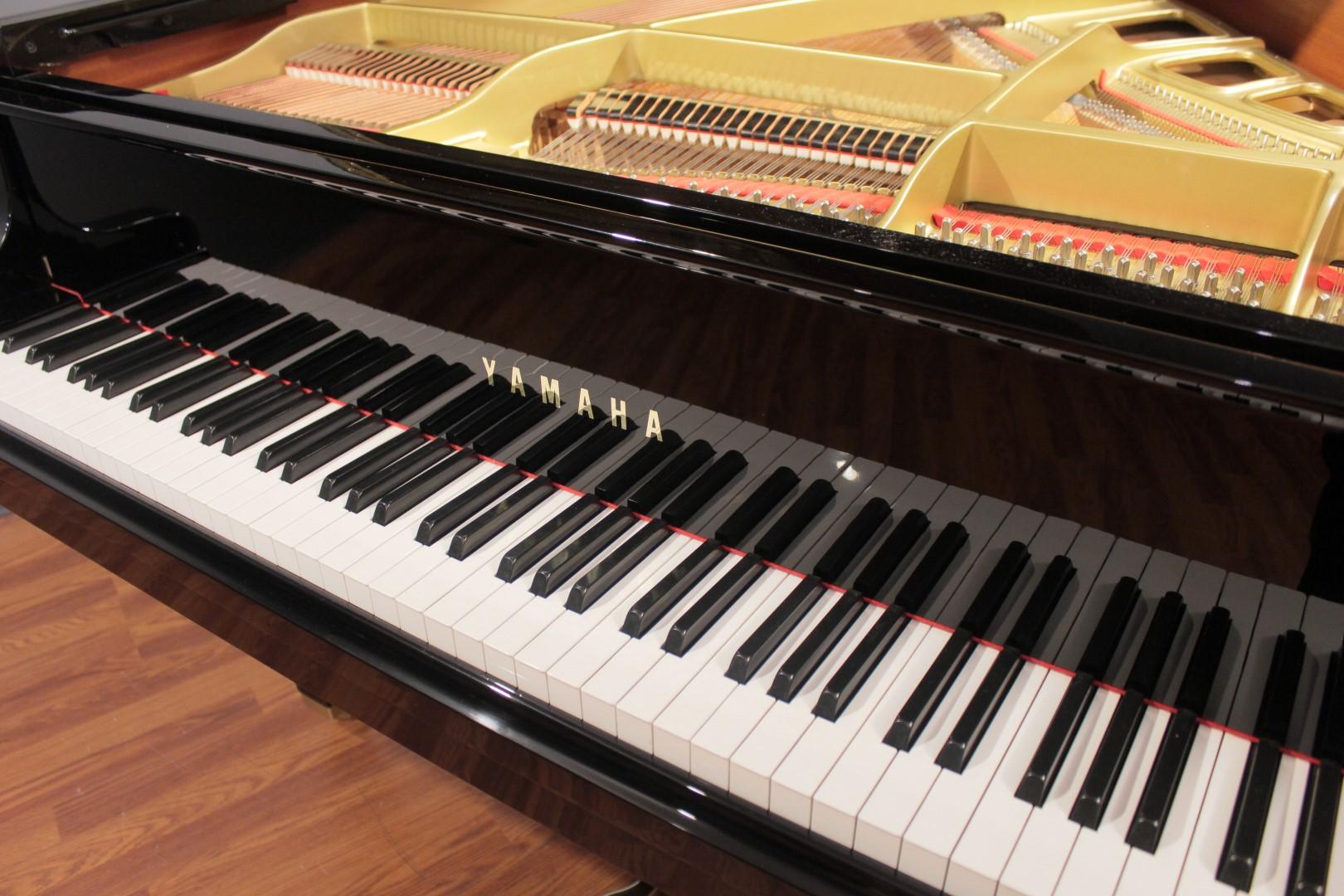 Yamaha gh1b 5 39 3 39 39 baby grand piano 1993 grand pianos for Yamaha piano baby grand
